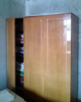 Отдам стенку и платяной шкаф. Самовывоз - WP_20150702_003[1].jpg